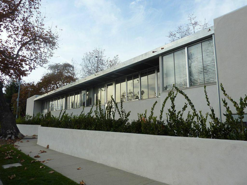 302 mesa barsha house john byers, Richard Neutra's 1937 Barsha House at 302 Mesa Road