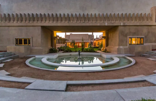 hollyhock house tour